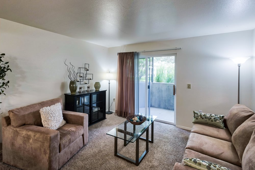 Living Room at Arbor Crossing Apartments in Boise, Idaho