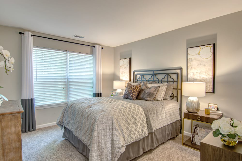 Bedroom at Hunter's Chase Apartments in Midlothian, Virginia