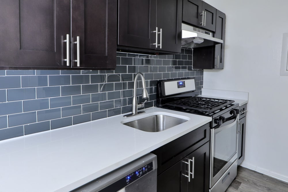 Kitchen at Bennington Crossings Apartment Homes in Alexandria, Virginia