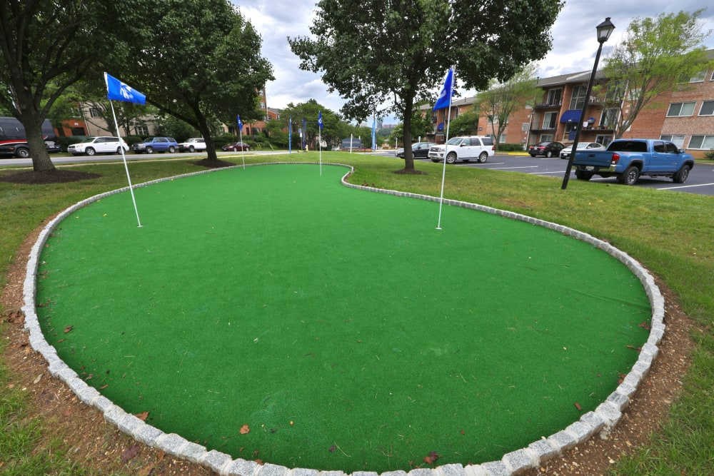 Putting Green at Bennington Crossings Apartment Homes in Alexandria, Virginia
