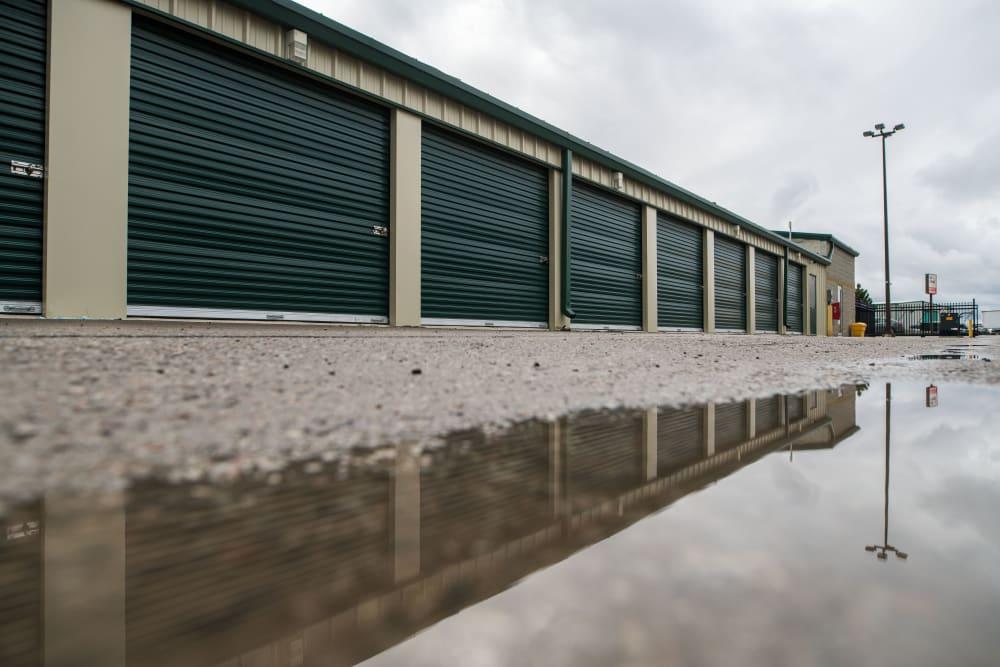 Apple Self Storage - Aurora in Aurora, Ontario, offers a variety of units
