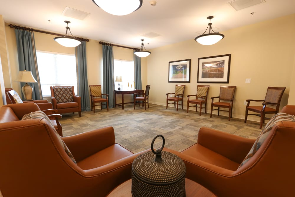 Community lounge seating at The Harmony Collection at Roanoke - Memory Care in Roanoke, Virginia
