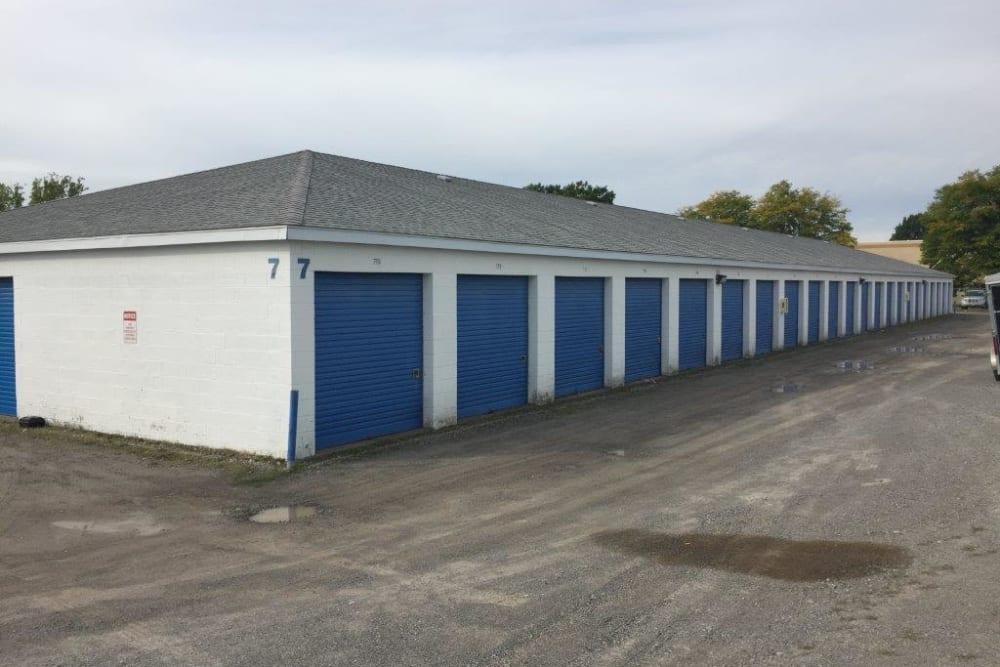 Outside storage units at Apple Self Storage - Niagara Falls - Kent in Niagara Falls, Ontario