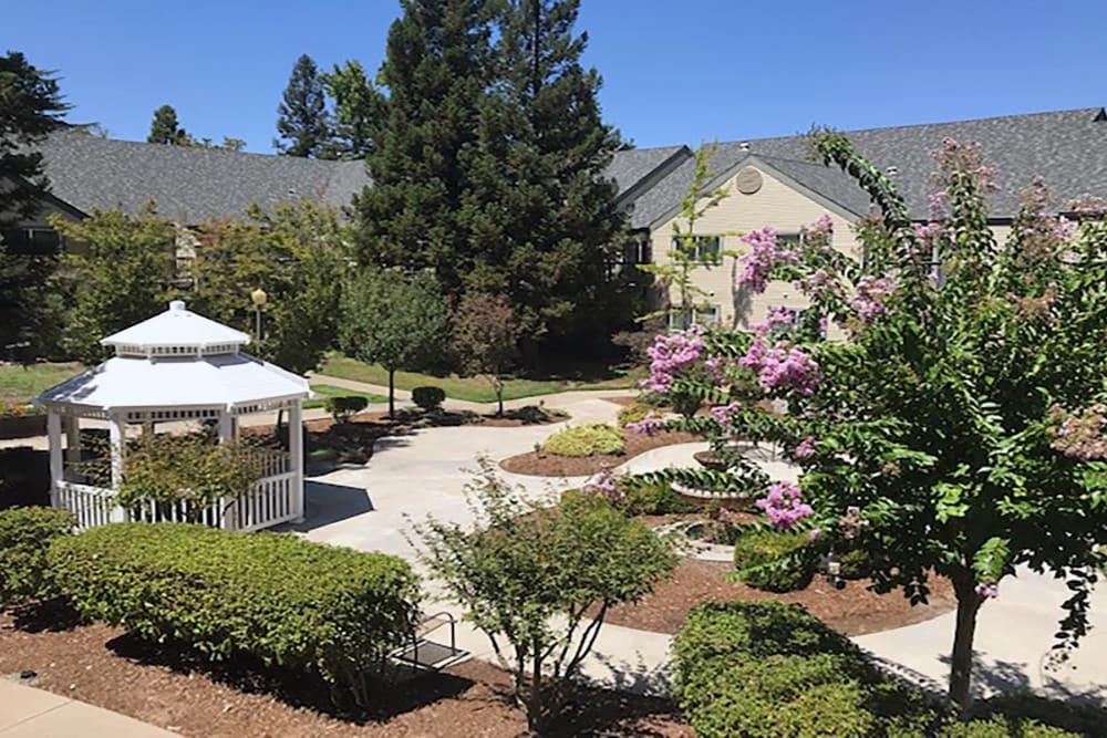 Beautiful walkways at Blossom Vale Senior Living in Orangevale, California