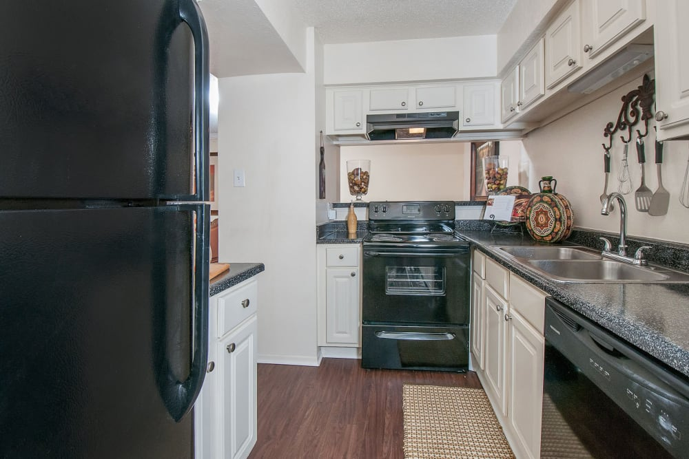Enjoy Apartments with a Kitchen at Grayson Ridge