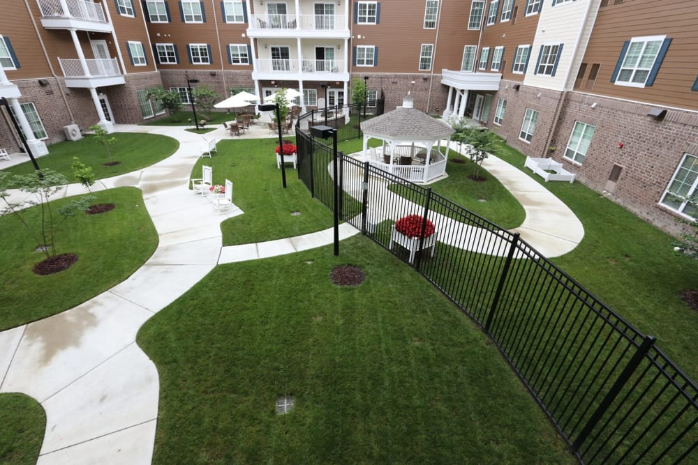 A paved walkway through the courtyard at Harmony at Independence in Virginia Beach, Virginia