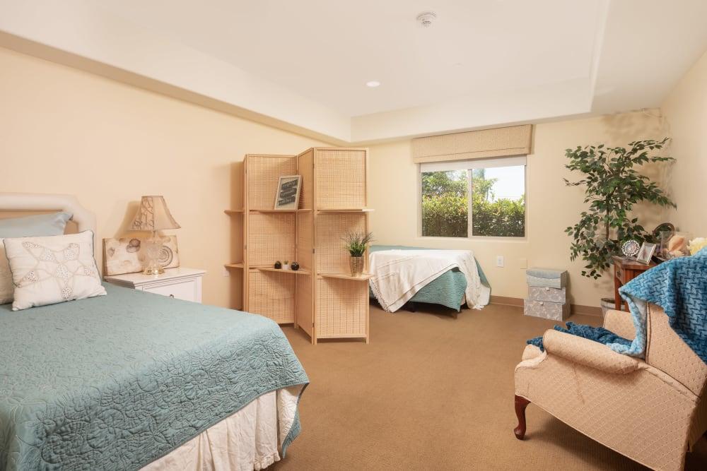 Model unit shared bedroom at Vista Gardens in Vista, California