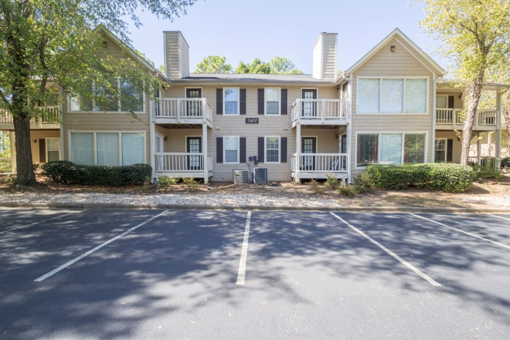 Exterior building photo at Summerchase at Riverchase in Hoover, Alabama