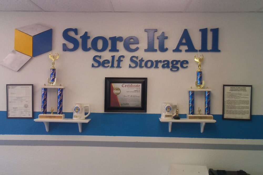 The front desk at Store It All Self Storage - Loop 20 in Laredo, Texas
