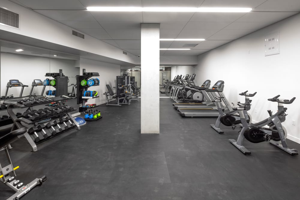 Well-equipped onsite fitness center at TwentyTwenty Apartments in Portland, Oregon