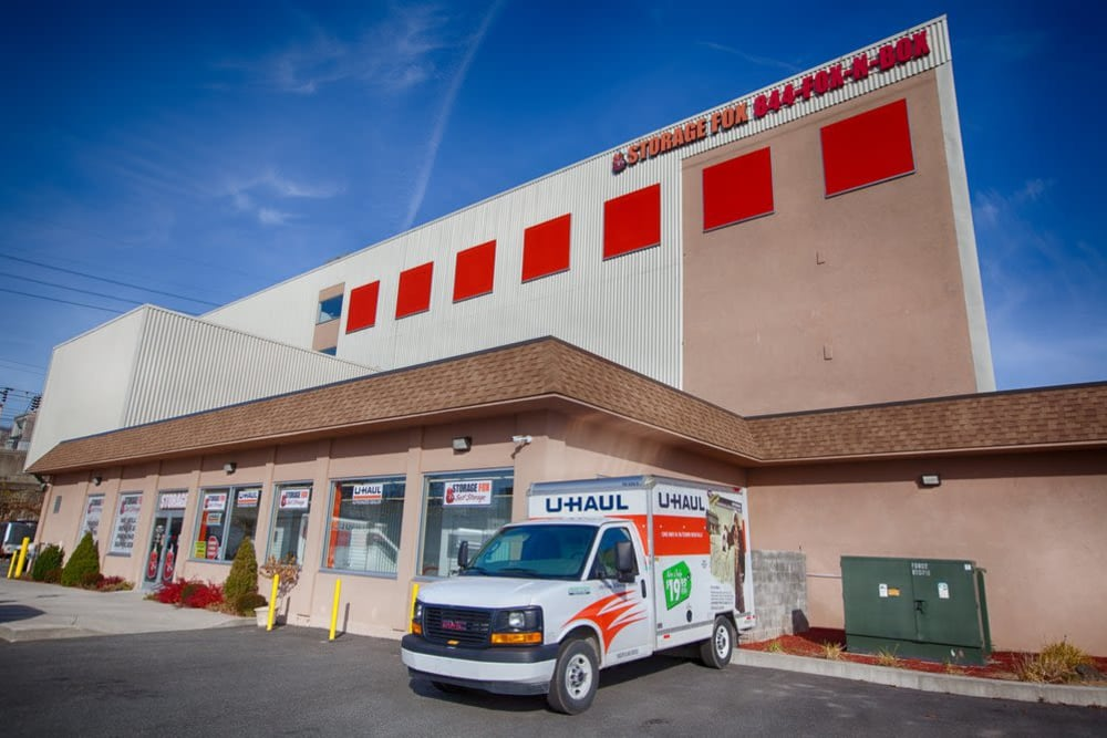 Rent your moving truck with Clutter Self-Storage in Yonkers, New York