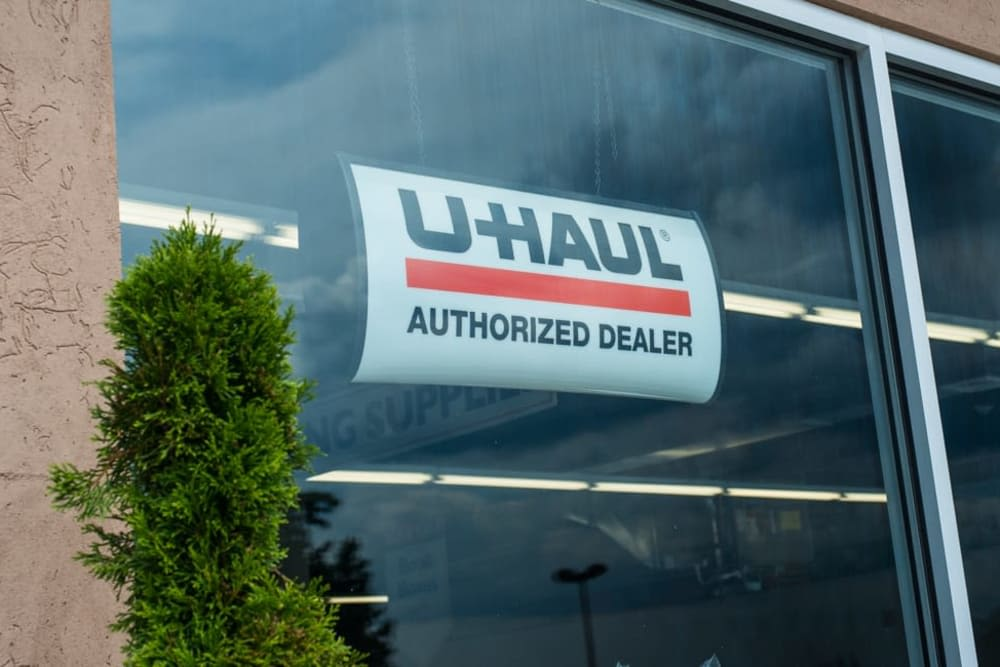 Rent a moving truck with Clutter Self-Storage in Yonkers, New York