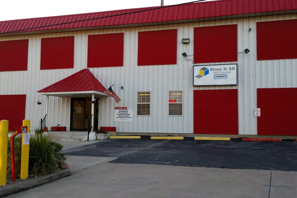 The front of the building at Store It All Self Storage - Kingwood in Kingwood, Texas