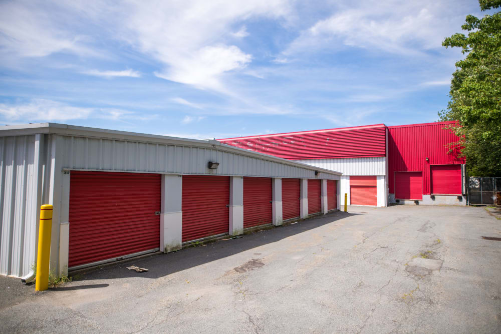 Wide driveways up to exterior units at Apple Self Storage - Dartmouth in Dartmouth, Nova Scotia