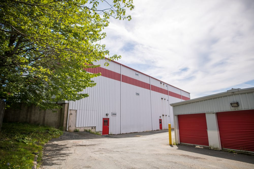 Apple Self Storage - Dartmouth in Dartmouth, Nova Scotia, has wide driveways for your convenience