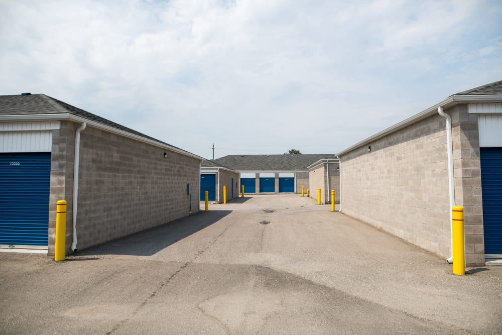 Apple Self Storage - Bowmanville in Bowmanville, Ontario, offers wide driveways