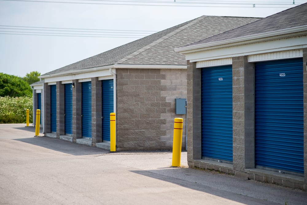 Apple Self Storage - Bowmanville in Bowmanville, Ontario, has units in all sizes