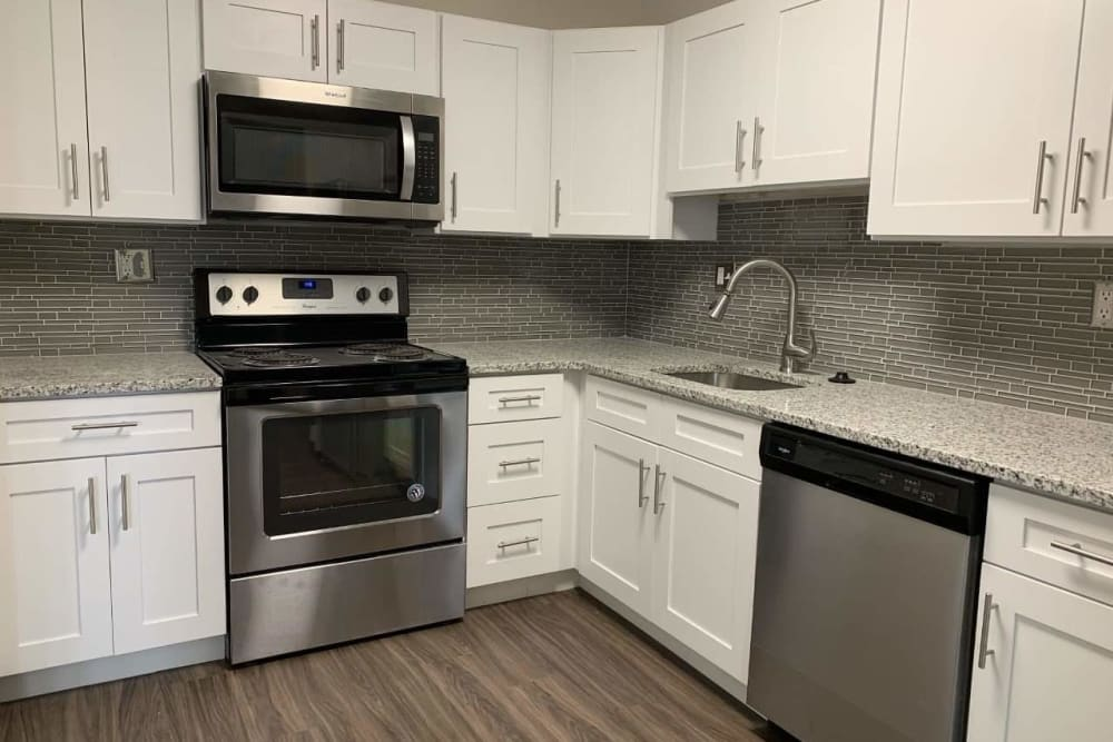 Kitchen at Lincoya Bay Apartments & Townhomes in Nashville, TN