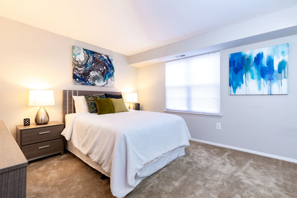 Master bedroom at Eagle Rock at Quiet Waters in Annapolis, Maryland