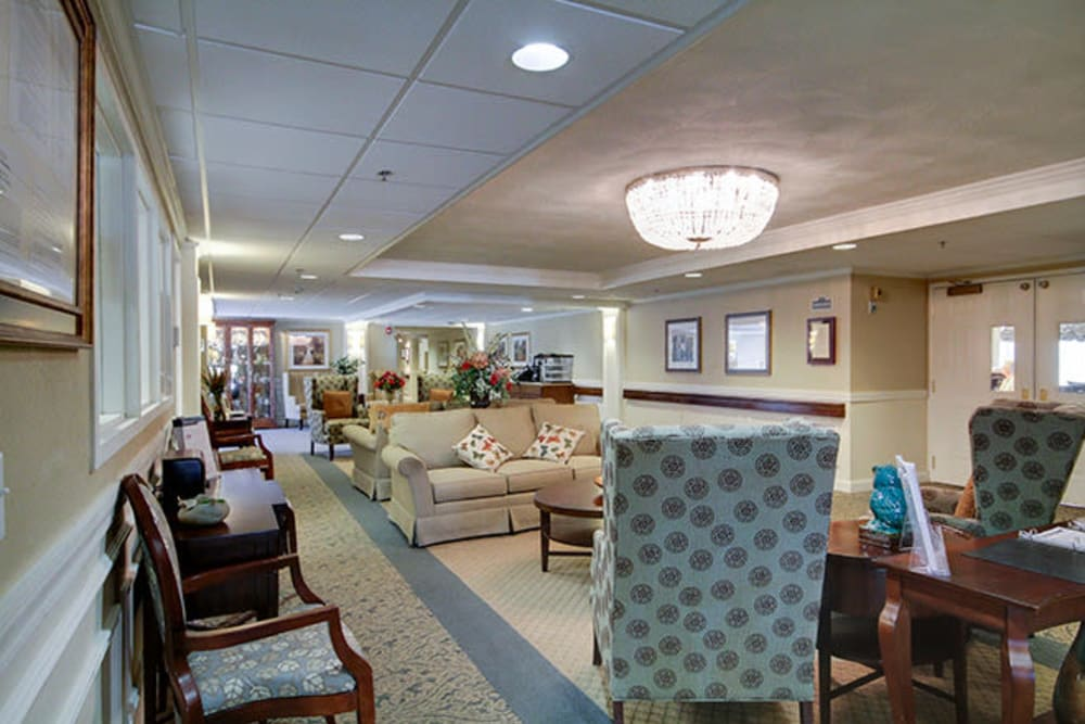 Common living room at Anchor Bay at Greenwich in East Greenwich, Rhode Island