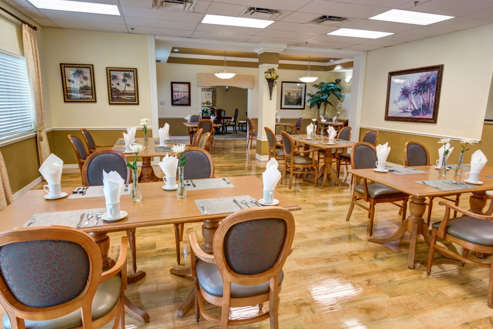 Dining room at Brentwood at St. Pete in St. Petersburg, Florida.