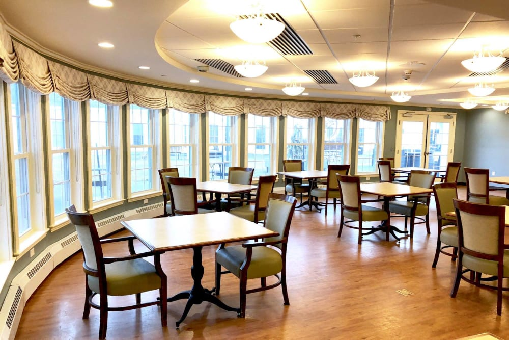 Resident dining room at Evolve at Rye in Rye, New Hampshire.