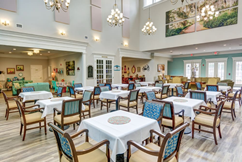 Dining room at St. Augustine Plantation in Tallahassee, Florida