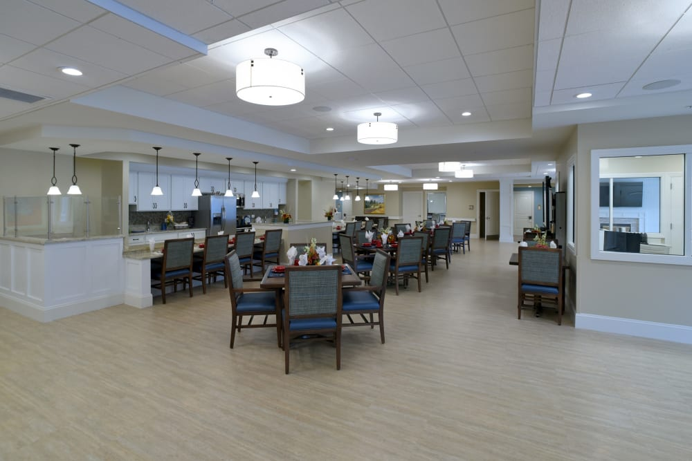 Spacious dining area at Symphony at Cherry Hill in Cherry Hill, New Jersey.