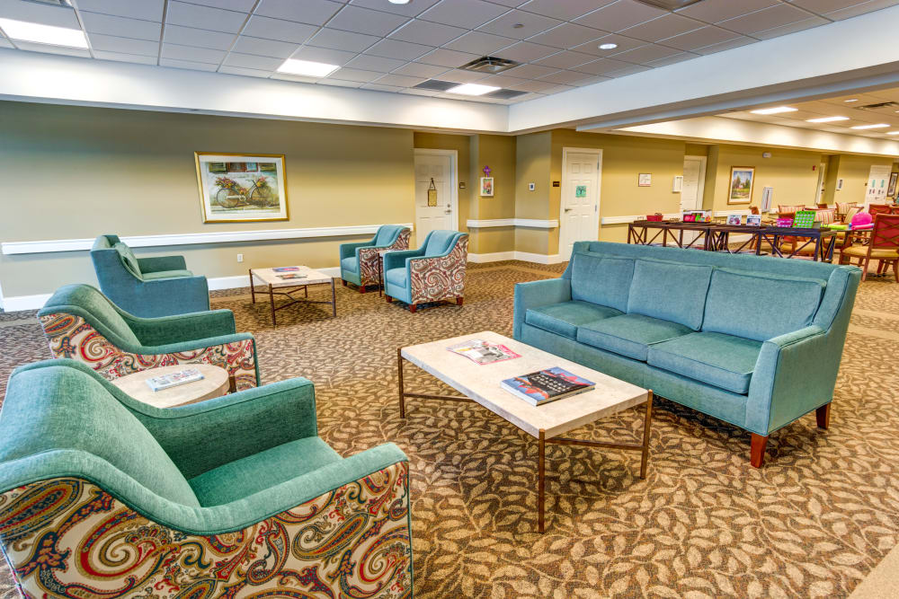 Memory care lounge area at Symphony at Valley Farms in Louisville, Kentucky