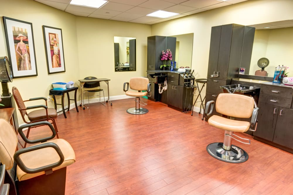 On-site salon at Symphony at Valley Farms