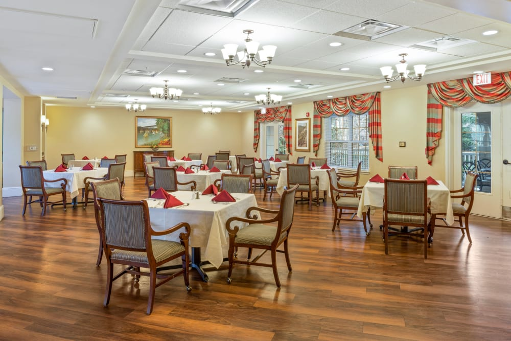 Community dining room at Symphony Square in Bala Cynwyd, Pennsylvania