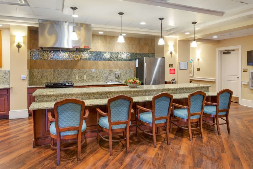 Kitchen with a wide bar at Symphony Square in Bala Cynwyd, Pennsylvania