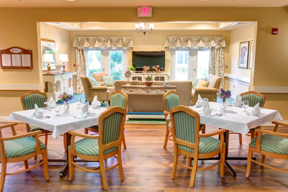 Spacious resident dining area at The Lynmoore at Lawnwood Assisted Living and Memory Care in Fort Pierce, Florida.