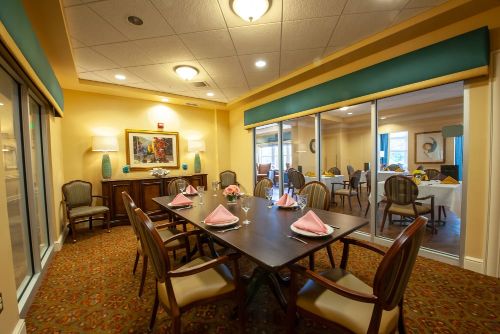 dining room at Woodholme Gardens in Pikesville, Maryland.