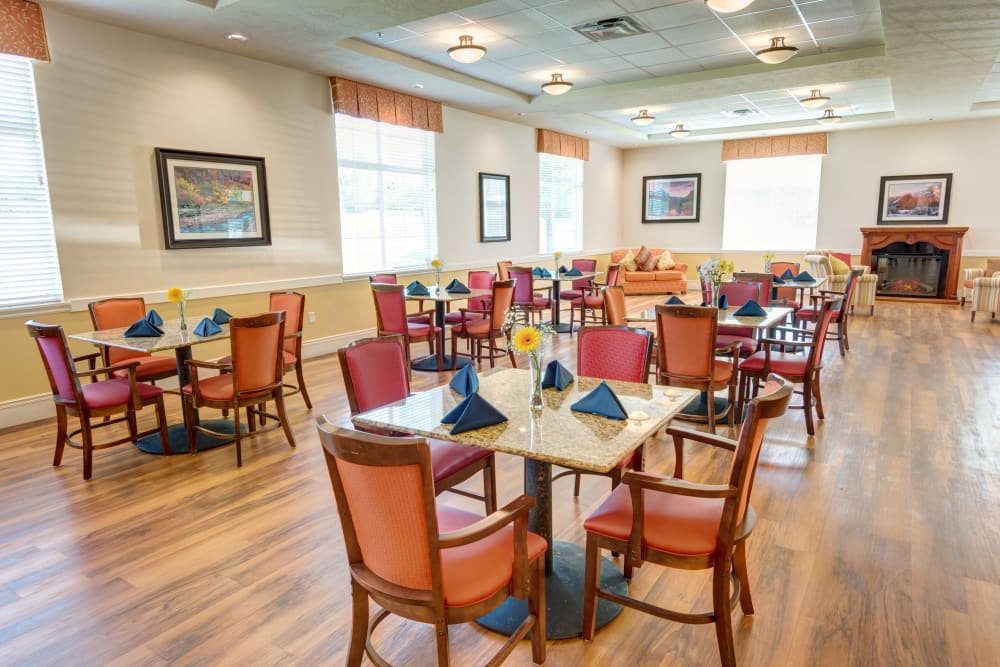Community dining room at The Wentworth at Draper in Draper, Utah