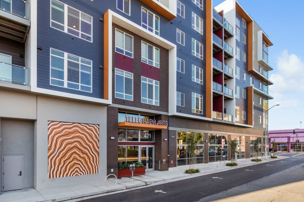 Apartments with easy  Oakland access