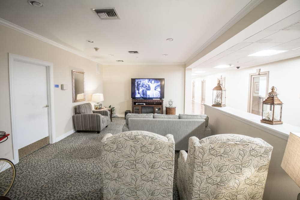 Reading lounge for senior living residents in Dallas