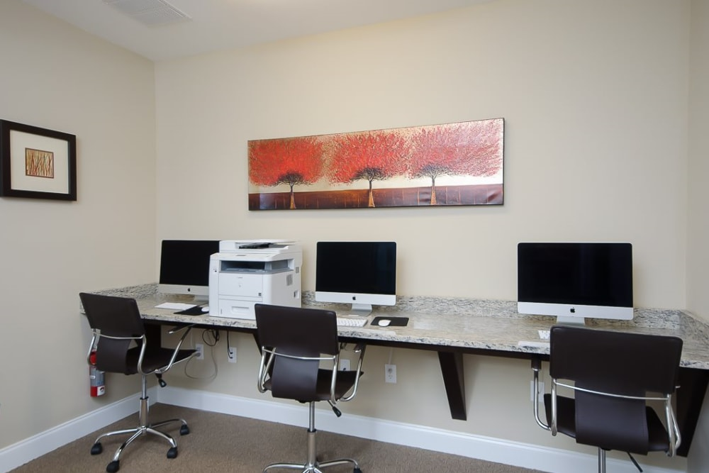Business center at Oasis at Montclair Apartments in Dumfries, Virginia
