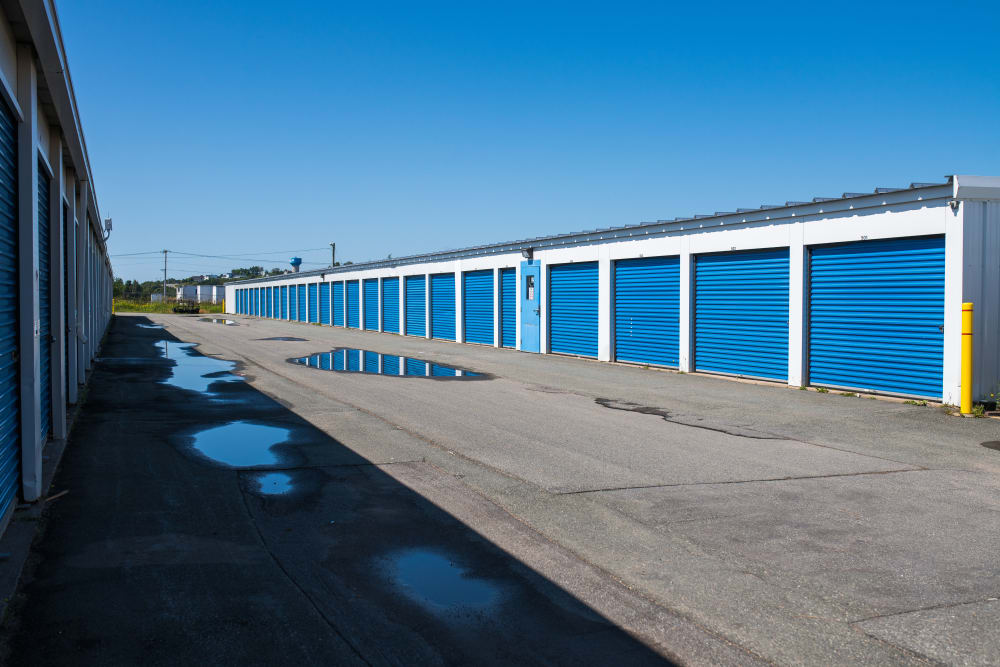 Wide driveways for your convenience at Apple Self Storage - Saint John West in Saint John, New Brunswick
