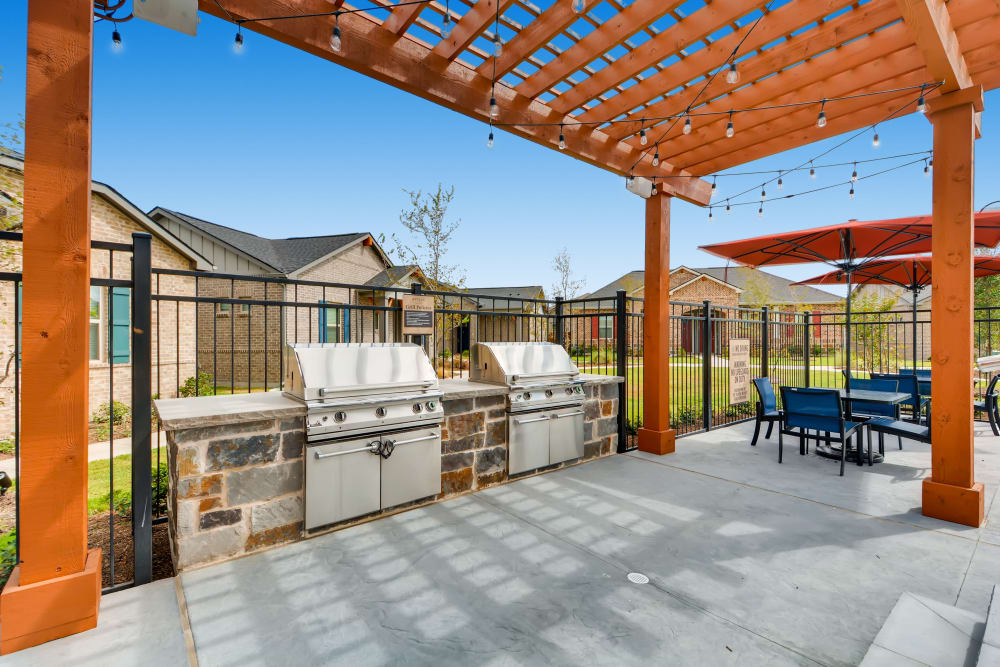 Avilla Heritage offers a BBQ Area in Grand Prairie, Texas