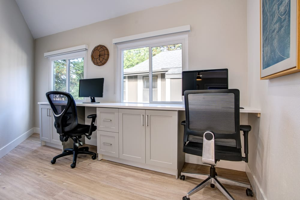Office at Martinez, California offer a Bedroom