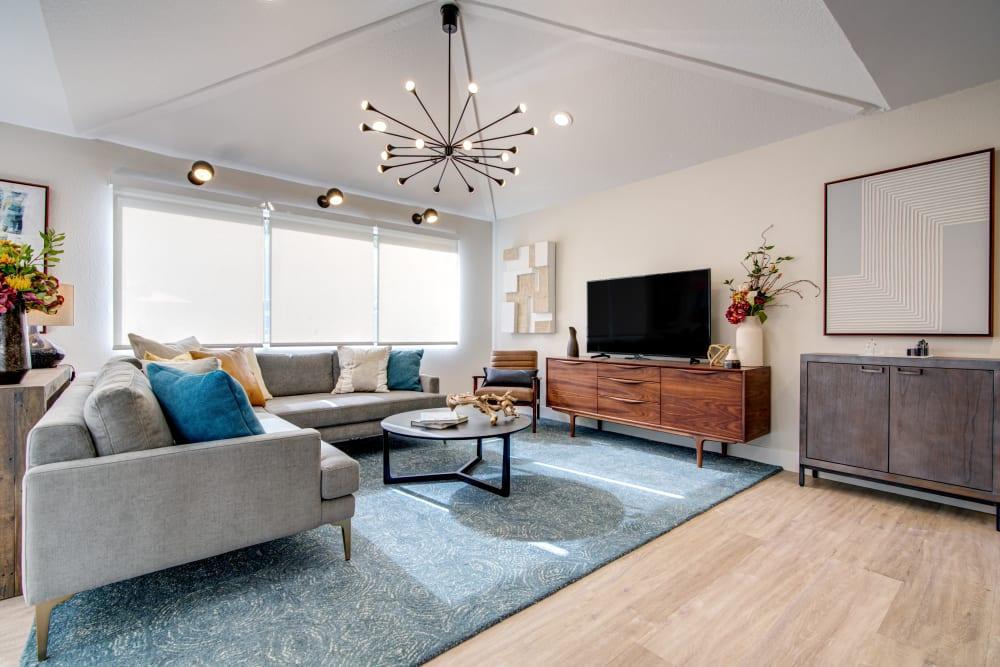 Terra Martinez offers a Living Room in Martinez, California