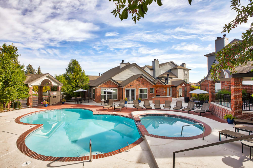 Enjoy Apartments with a Swimming Pool & Hot Tub at Keystone Apartments