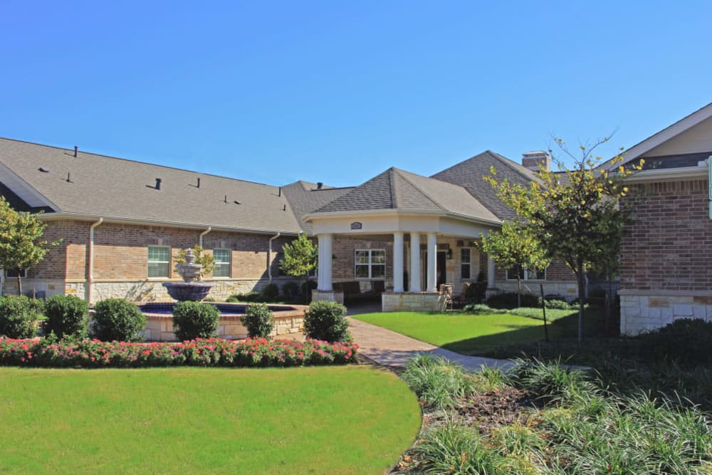 Front entrance to Eagle Ridge Alzheimer's Special Care Center in Denton, Texas