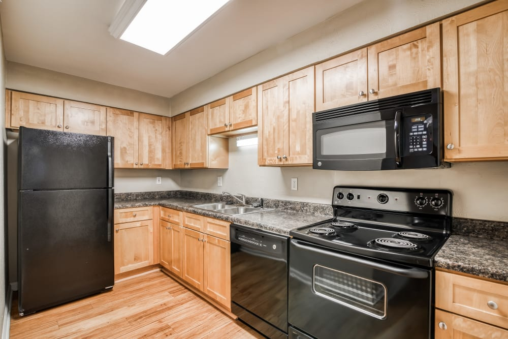 Fully equipped kitchen at 865 Bellevue Apartments in Nashville, Tennessee