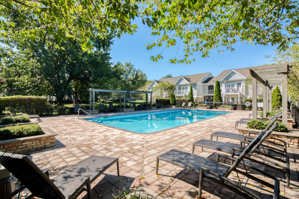 Resort-style swimming pool at 865 Bellevue Apartments in Nashville, Tennessee