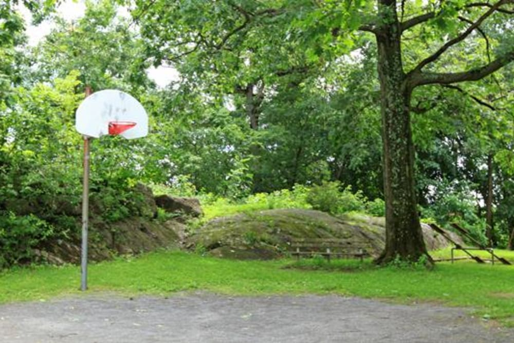 Basketball court near Cortlandt Ridge in Ossining, New York