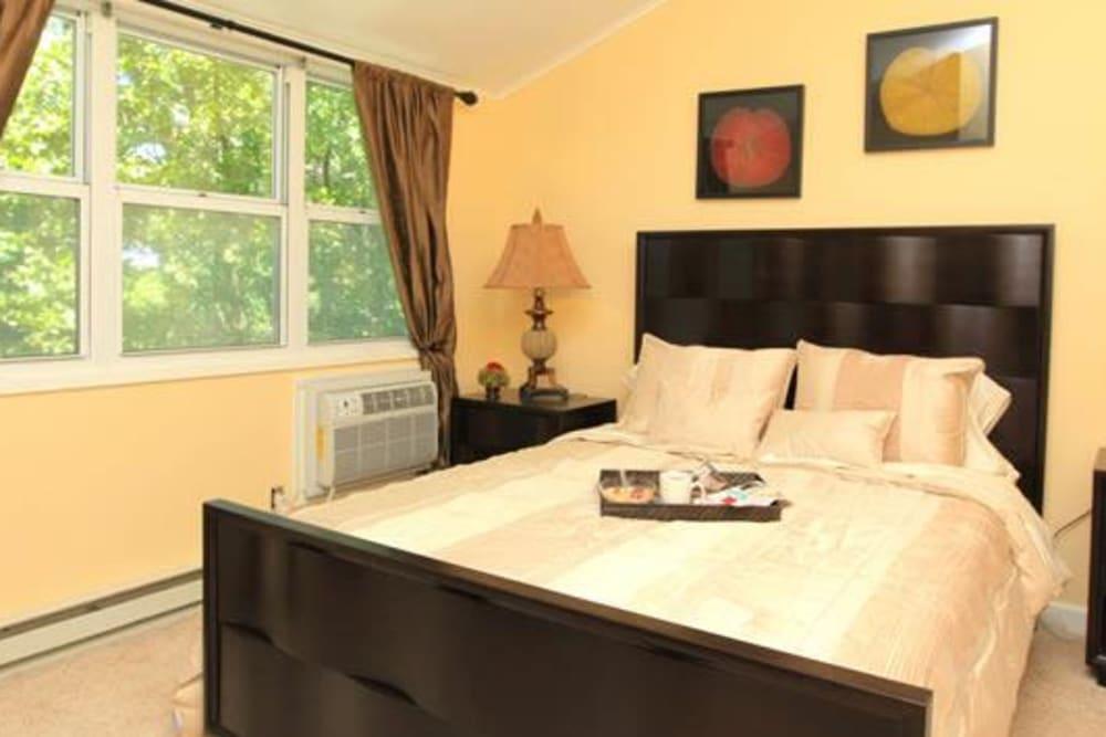 Spacious bedroom at Cortlandt Ridge in Ossining, New York
