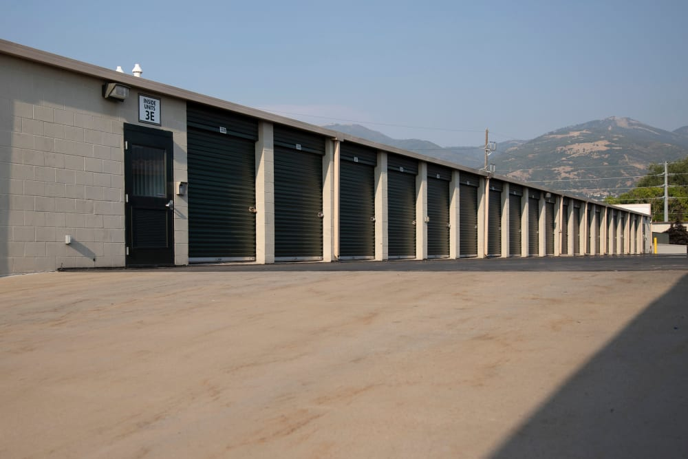 Wide Driveways at Cubes Self Storage in Bountiful, Utah