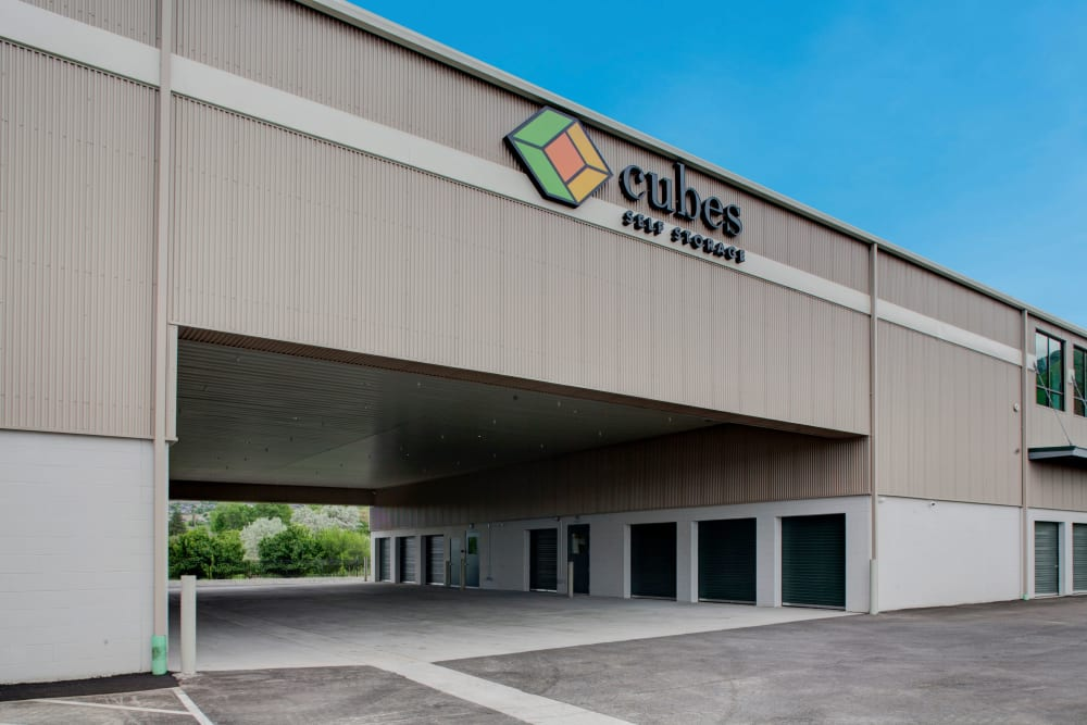 Covered loading and unloading area at Cubes Self Storage in Farmington, Utah